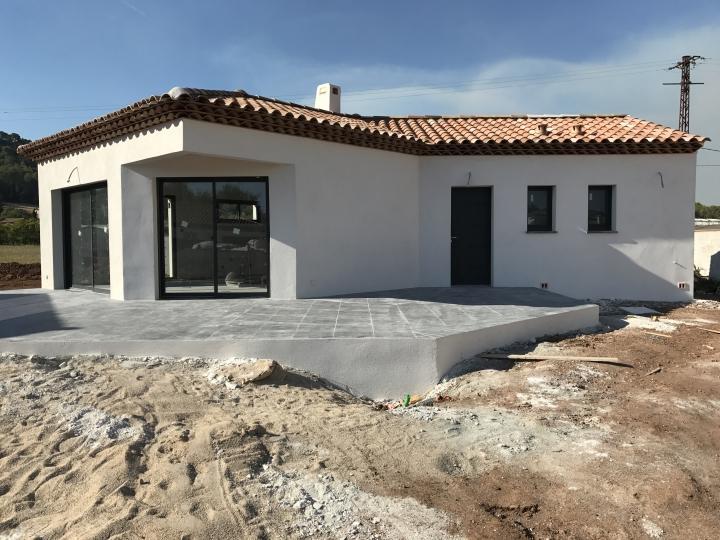 Chantier Maison moderne de plain pied - Construction maison LA CRAU ...